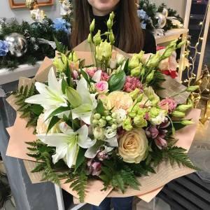 Букет лилии и пионовидные розы микс R1518