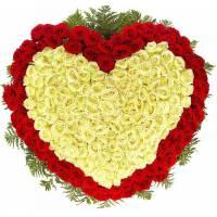 Букет роз в виде сердца, 301 шт, красные и белые R100
