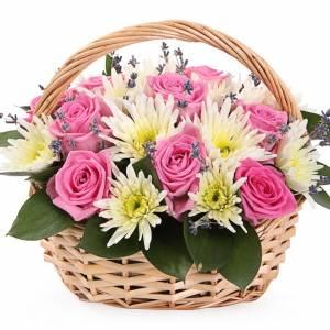 Корзина с хризантемой и розами R319