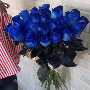 Букет 21 синяя роза с лентами R660